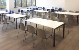 Valgomojo stalai ir 2 spalvų kėdės ATLAS.