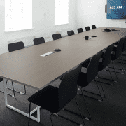 didelėss susisiekimo bendrovės_biuro baldai_4_posėdžiu stalas
